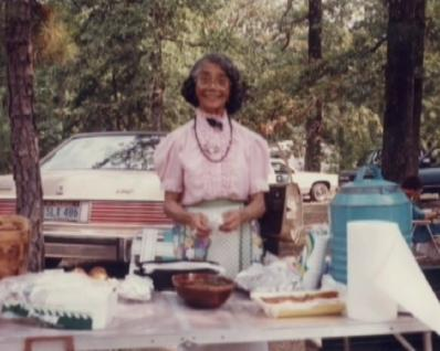 Myrtle Owens Family Reunion Table